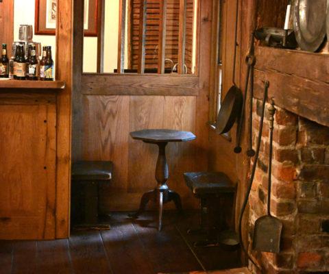 1784 Pub Tap Bar Room Nook